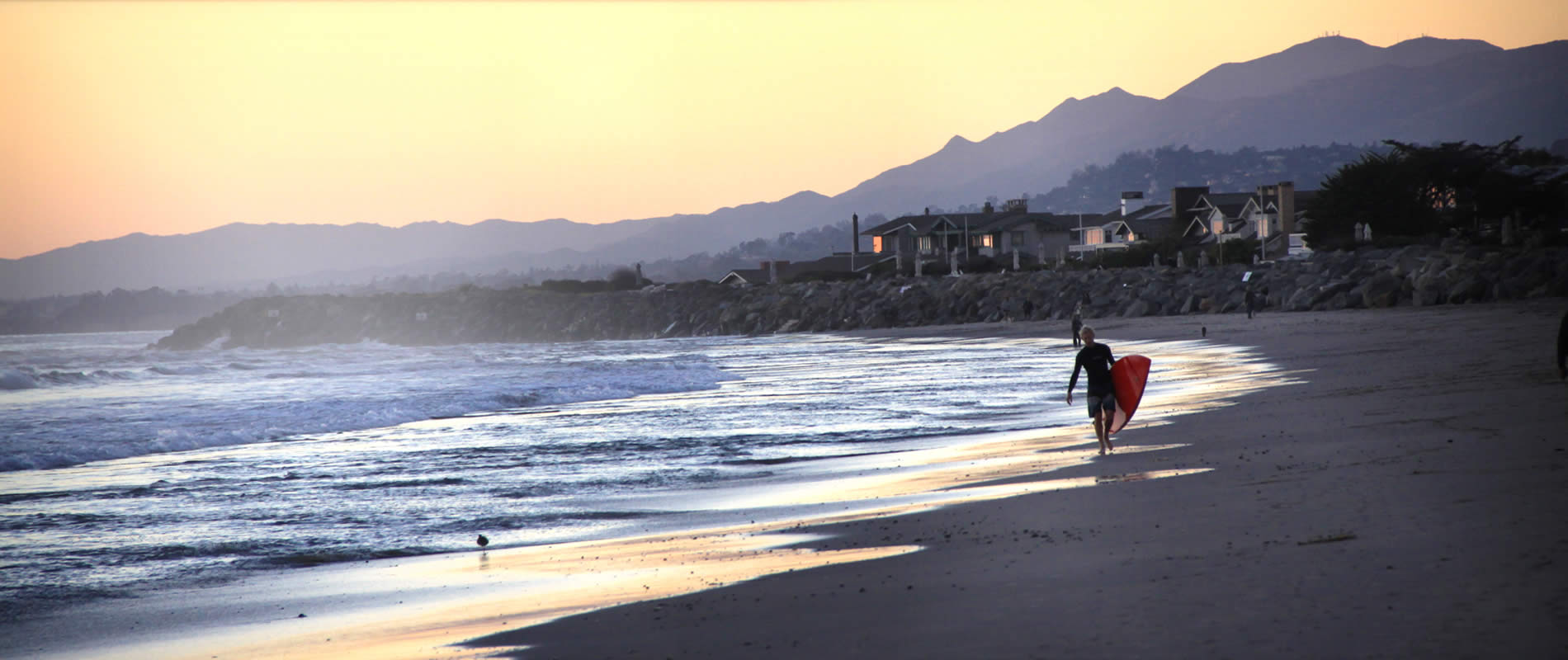 santa barbara coast vacation rentals - carpinteria beach cottages